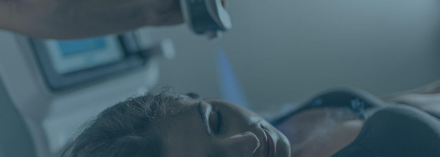 cryothérapie localisée appareil soin visage cryo penguin femme