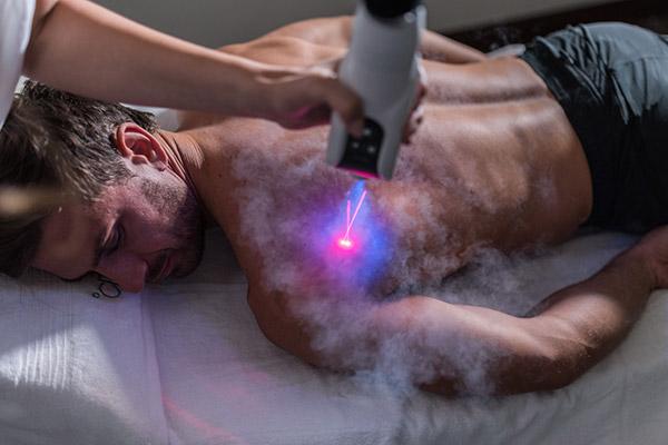 cryothérapie bordeaux cryotherapie localisée épaule homme cryo penguin froid douleurs